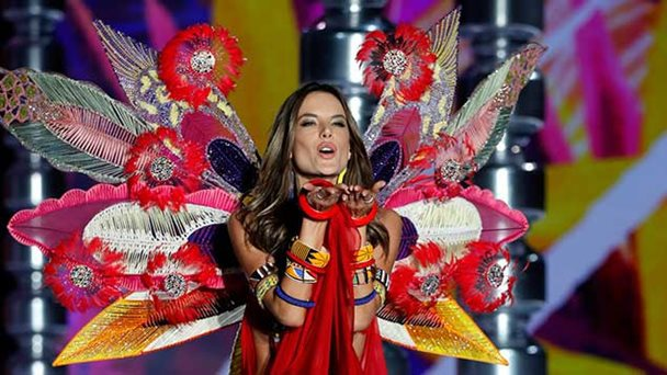 El desfile más polémico de Victoria's Secret en China.